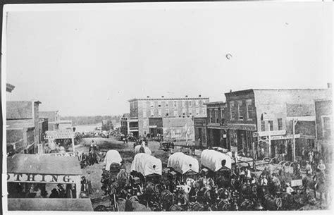 the fort lincoln ne nebraska city ft kearney cut digging in