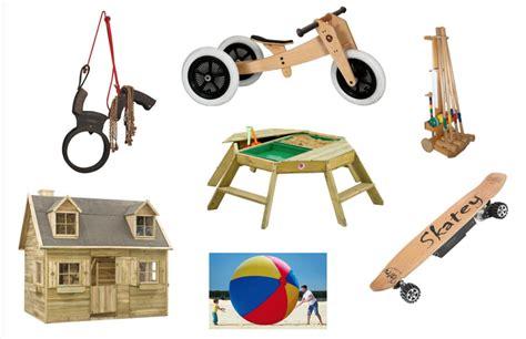 buitenspeelgoed natuurlijk 7x knetterduur maar o zo leuk buitenspeelgoed en de