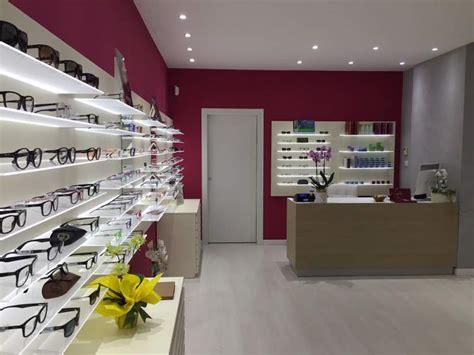arredamenti negozi di ottica arredamento completo per negozio di ottica a lecce
