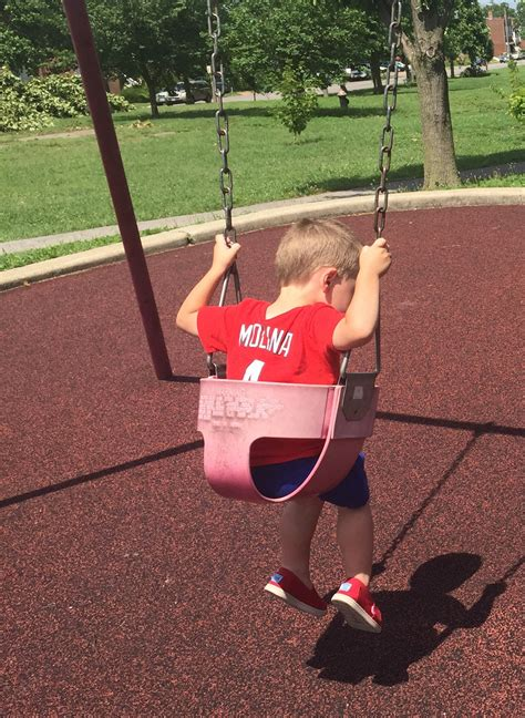 yadier molina swing mom writes thank you letter to usher at cardinals game