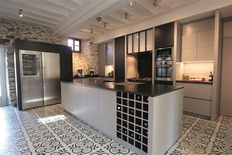 Maison Rénovée Avant Après Extérieur by Rangement Cr 233 Atif Balcon