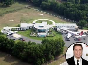 haus travolta s 237 dlo johna travolty je funkčn 237 letiště se dvěma ranvejemi