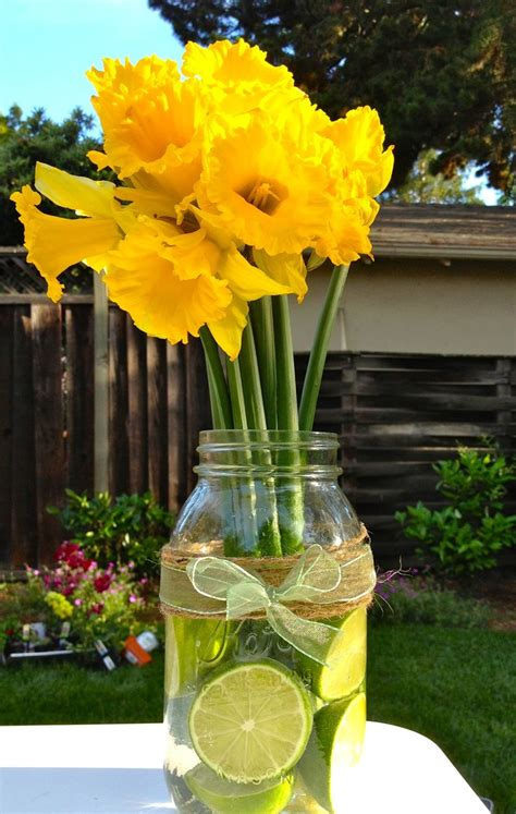 summer wedding centerpiece ideas on a budget summer wedding centerpiece ideas on a budget summer wedding daffodil citrus centerpiece