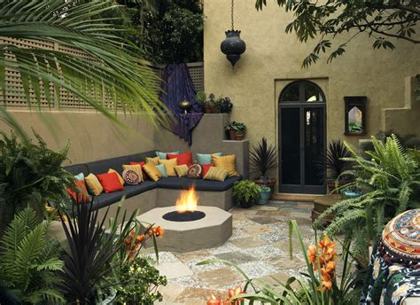 garden home interiors mediterranean d 233 cor touring a home in the hollywood