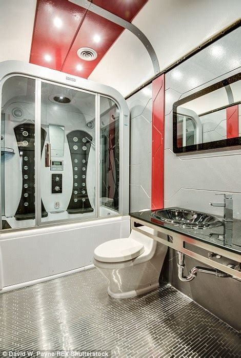 Star trek themed home in friendswood texas goes on sale for 1 2million daily mail online