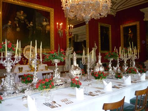 File Dining Table Laid At Chatsworth House Jpg Wikimedia