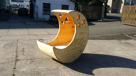 Pallet Crib Moon Shaped Baby - moon shaped pallet baby cradle