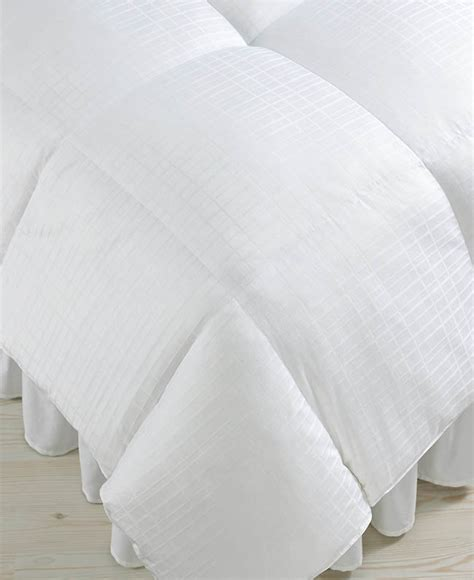 are down comforters bad for allergies how to pick the best down comforter segreto finishes