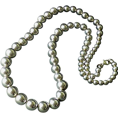 graduated silver bead necklace classic sterling silver graduated bead necklace 23 1
