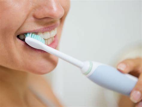brush teeth with coconut brush your teeth with coconut ತ ಗ ನ ಎಣ ಣ ಯ ದ ಹಲ ಲ