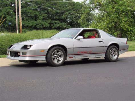 camaro iroc   owner xxx original miles original tires cold ac coupe  sale