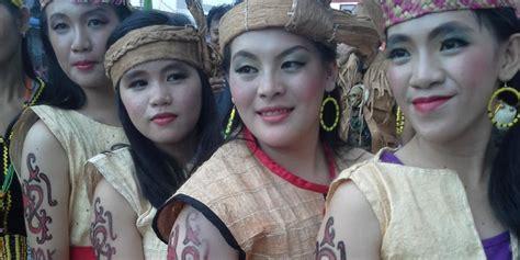 tato tradisi dayak tato bagi perempuan dayak lundayeh antara tradisi dan