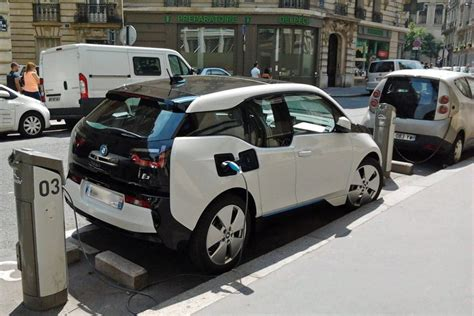 Electric Car Options Bmw Is Planning To Offer More Electric Luxury Vehicle