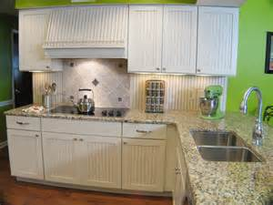 12 cozy cottage kitchens kitchen ideas amp design with white beadboard kitchen cabinets kitchen traditional with