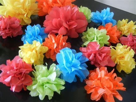 fiori con la carta crespa fiori di carta crespa fai da te fiori di carta