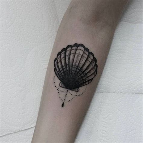 sea shell tattoo 25 best ideas about shell tattoos on seashell