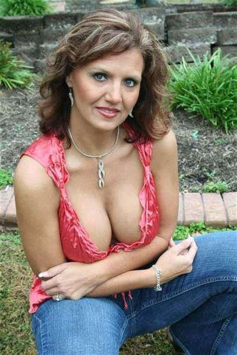 kelli from southern charms dieselade all natural bcaas jugs 4 jugs contest don t