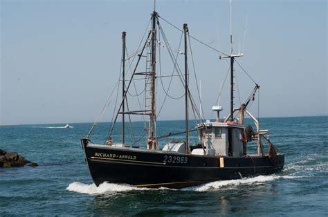 the vineyard gazette martha s vineyard news step right - Fishing Boats For Sale East Coast