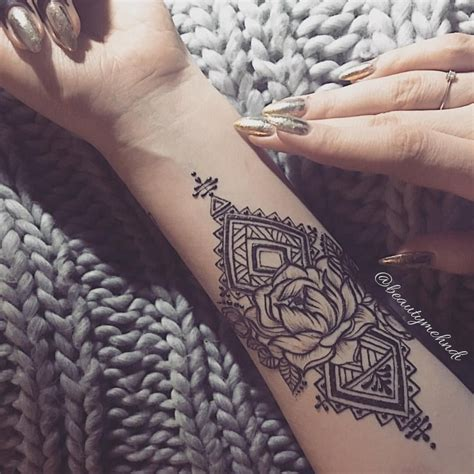 henna lotus tattoo pin by laurion on yatted hennas lotus