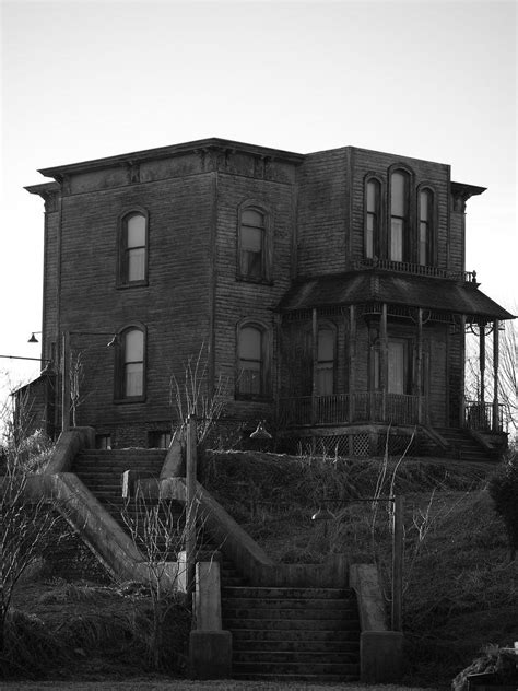 norman bates house psycho house the many faces of the bates mansion urban ghosts