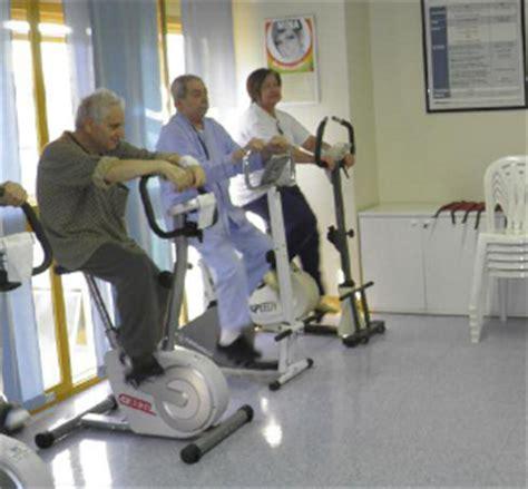 alimentazione anziani allettati percorso riabilitativo standard policlinico di monza