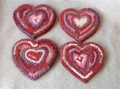heart pattern rugs rug hooking pattern heart mug rugs j872 primitive