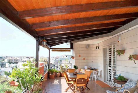 tettoie in legno per terrazzi coperture terrazzi pergole e tettoie da giardino come