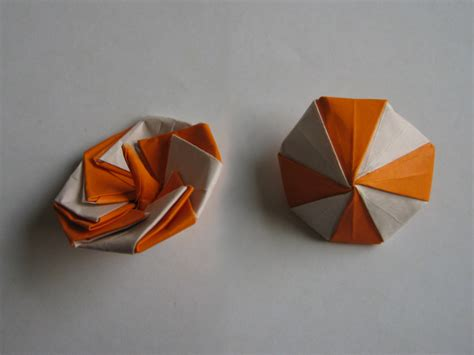 Origami Spinning Top - spinning top manpei arai happy folding