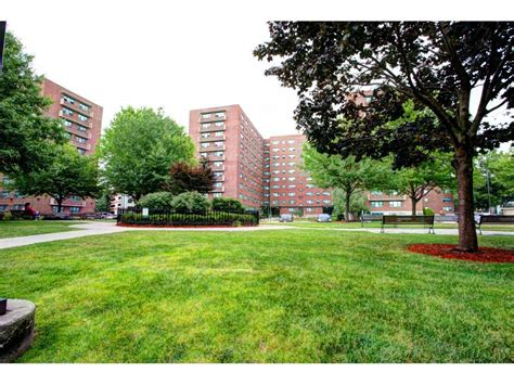 Maple Gardens Apartments Irvington Nj by Maple Gardens Apartments Irvington Nj Walk Score