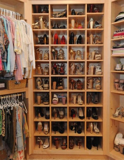 Bottom Of Closet Storage by How To Arrange Your Walk In Closet