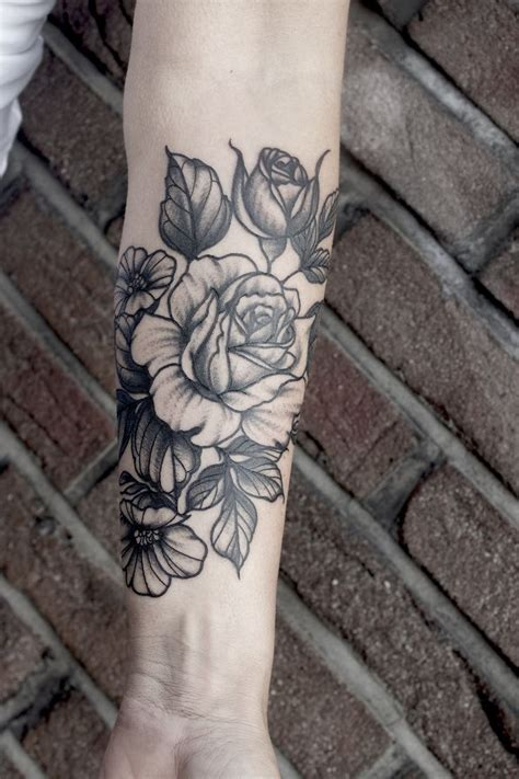 rose bouquet tattoo best 25 bouquet ideas on