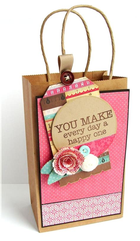 xmas decorated brown paper bags gift bag decorating idea that s a wrap gift bags decorated gift bags e gifts