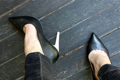 How To Make A High Heel Shoe Out Of Paper - how to stretch out your tight shoes ramshackle glam