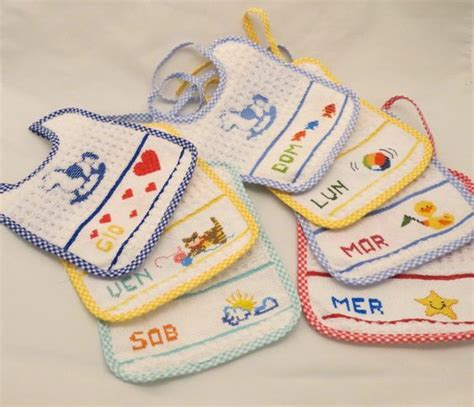 punto croce lettere per bambini bavaglini punto croce neonati schemi