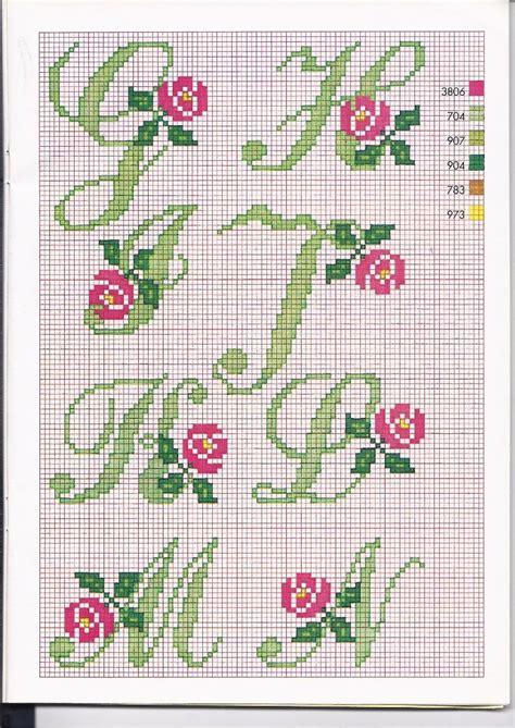 lettere con fiori alfabeto punto croce con le 2 alfabeto con fiori