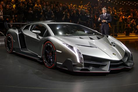 PHOTOS: Lamborghini's New $3.9 Million Veneno Supercar