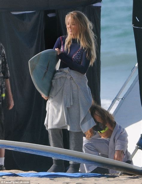 film it s in the stars blake lively hides her abs while filming reshoots for