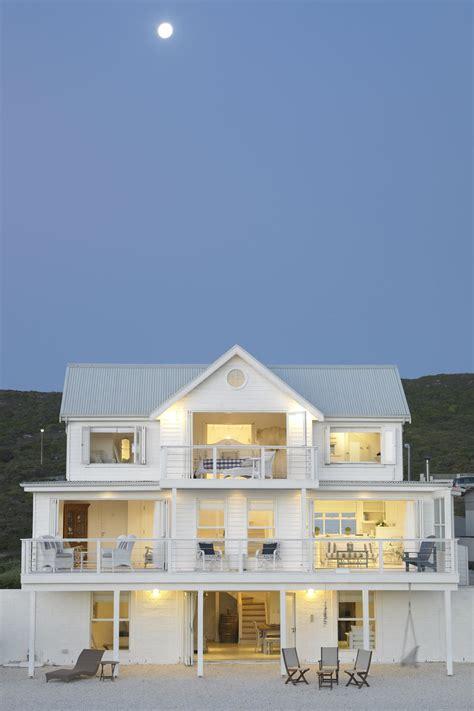 white house beach villa yzerfontein