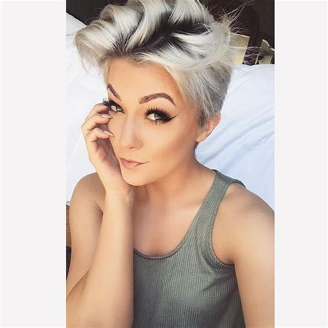 pixies from dark to blonde 447 best hair images on pinterest short bobs pixie cuts