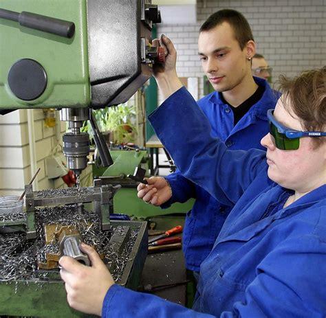 werkstatt behinderte menschen behinderte arbeiten unwissentlich f 252 r r 252 stungsfirma