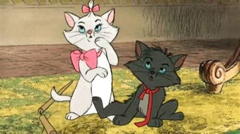 what does put on the what color bow does madame put on o malley the aristocats trivia quiz fanpop