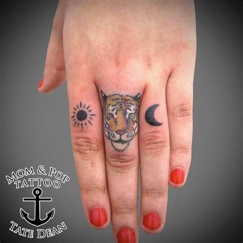 tattoo finger tiger tiger finger tattoos pinterest plymouth dean o
