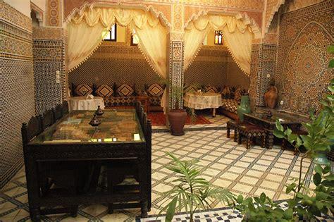 maison marocaine avec patio riad lahboul riad de luxe 224 marrakech maroc r 233 servez