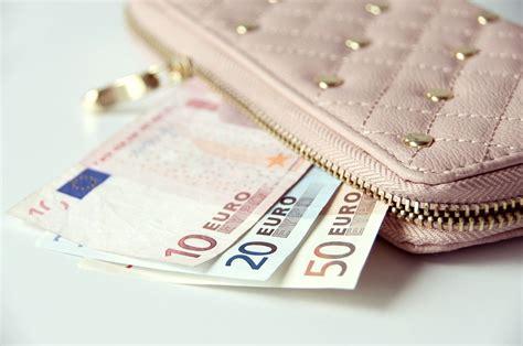 quanti contanti si possono versare in nascondere soldi in viaggio 7 consigli meridiana emagazine