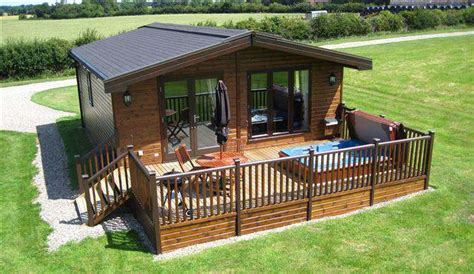 Cottages Lodges With Tubs by Top 10 Cottages And Lodges In With