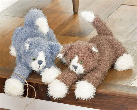 knitting with cat hair sirdar touch fur cats knitting pattern 2474 kittens