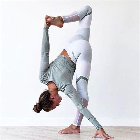tutorial yoga di rumah olahraga mudah yang bisa kamu lakukan di rumah the it girl