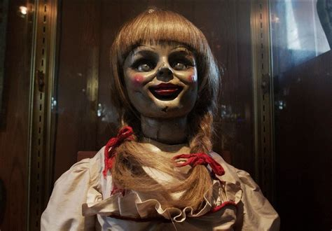 annabelle doll halloween makeup this diy annabelle doll costume from the conjuring will