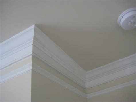 White Crown Molding Bloombety Installing Crown Molding With White Roof