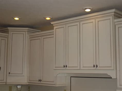 staggered kitchen cabinets staggered kitchen cabinets kitchen loves pinterest